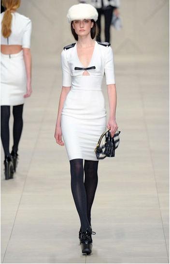 Vestido blanco de Burberry