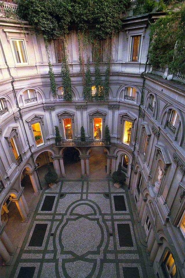 Palazzo Luraschi, Milano - Italia