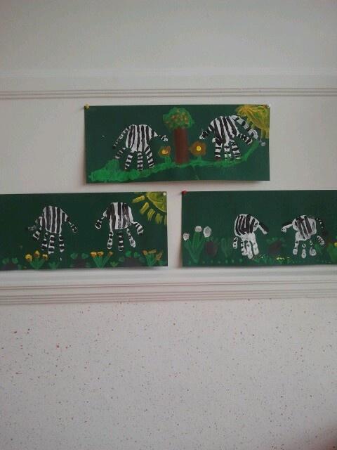 Zebra's van handen. Gemaakt door groep 2.