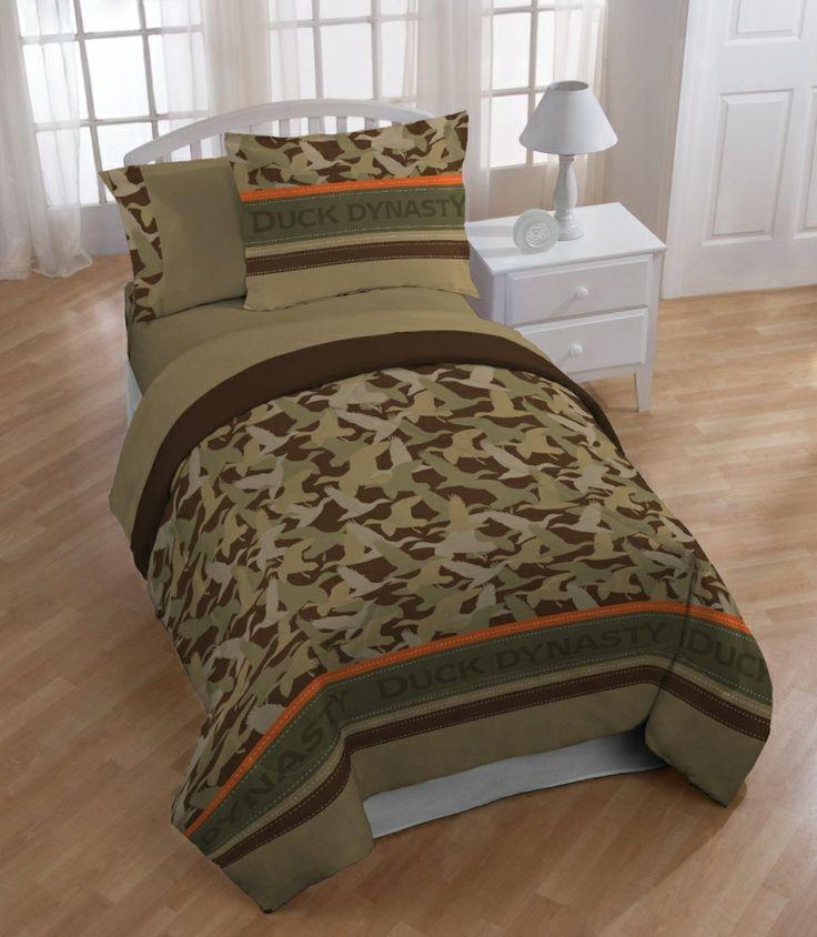 duck dynastys camo logo stripe comforter
