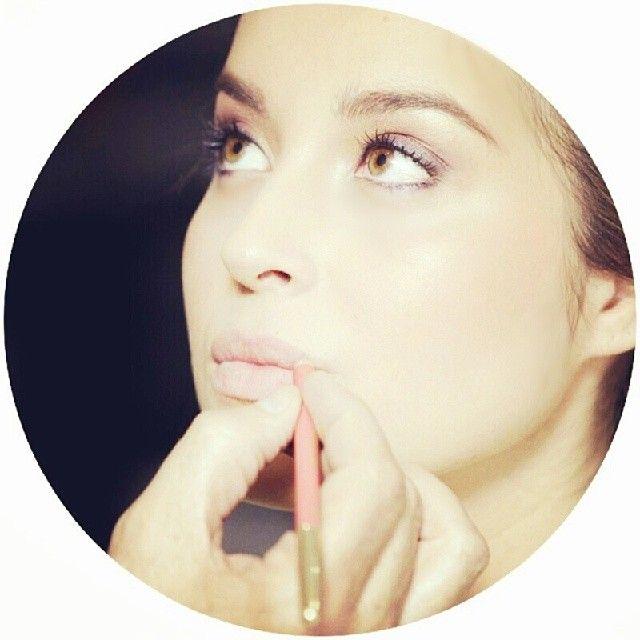 Makeup para la revista Hola Colombia (verogregory's photo on Instagram)