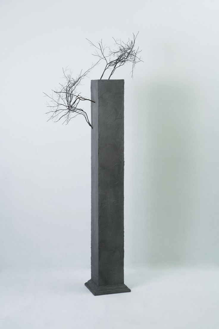 """Sun-Hyuk Kim, """"A monument of the limit and futility"""", Stainless steel, wood, cement, 197x84x39cm Courtesy of the ONEIRO gallery and the artist"""