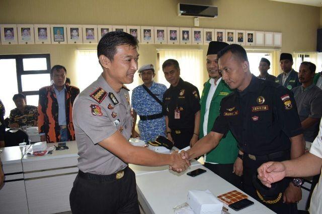 Pererat tali Silaturahmi Kapolresta Sidoarjo Ajak Para Pemuda Sidoarjo Untuk Ikut Serta jaga Keamanan Dan Kondusifitas Kabupaten Sidoarjo