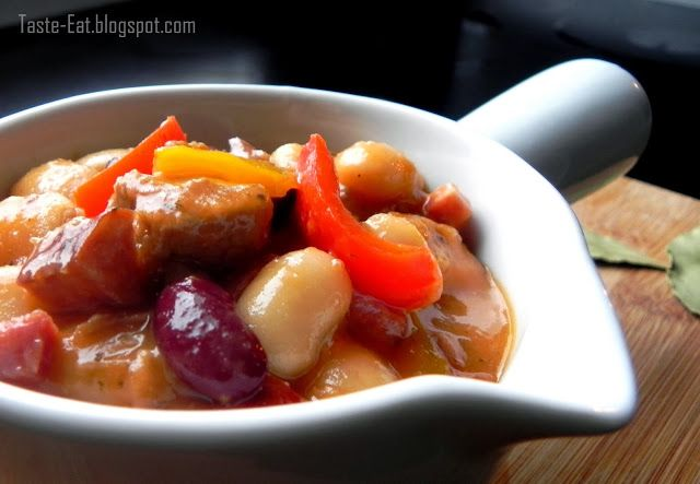 http://taste-eat.blogspot.com/2013/12/sycacy-gulasz-z-fasola.html