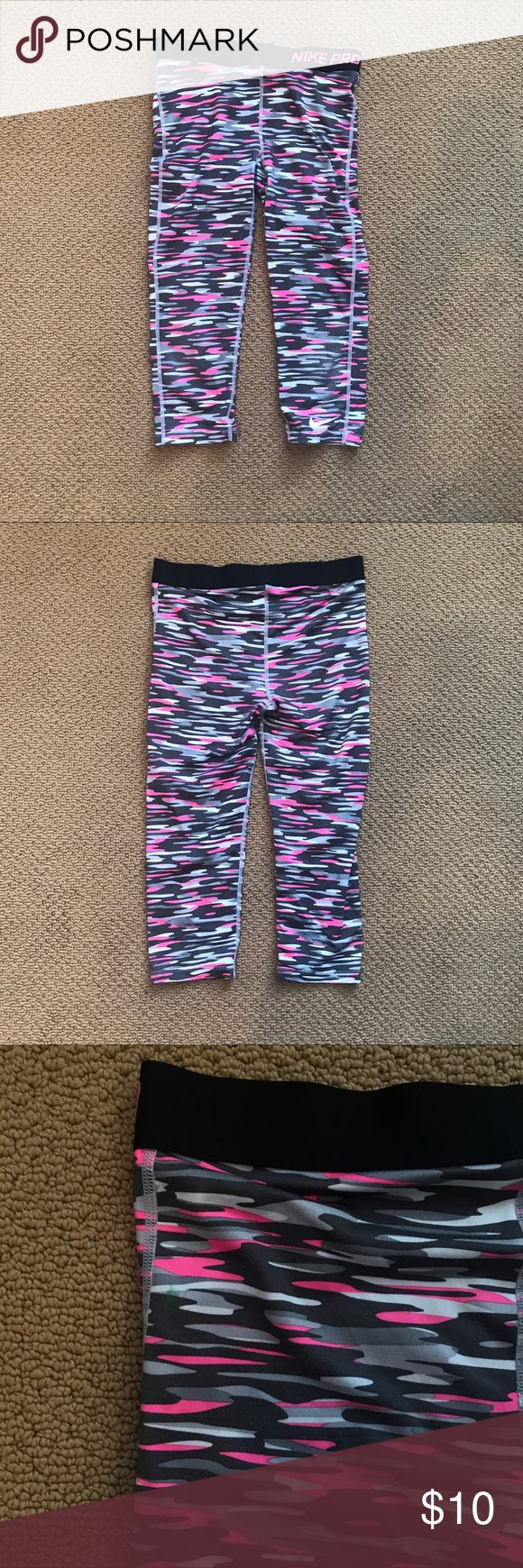 Nike Pro Pants Good condition. Make me an offer. Nike Bottoms Leggings