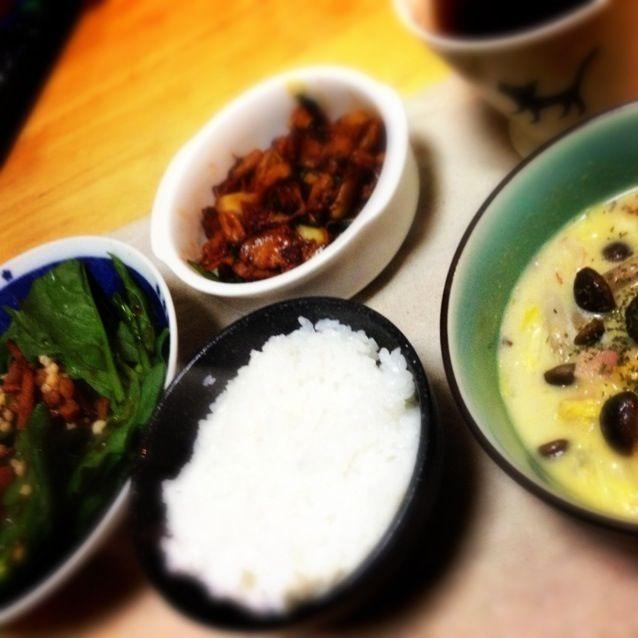 塩分取りすぎだな(ヽ'ω`) - 11件のもぐもぐ - 豚キムチ、白菜のコーンクリーム煮、ほうれん草サラダ by o7alice27
