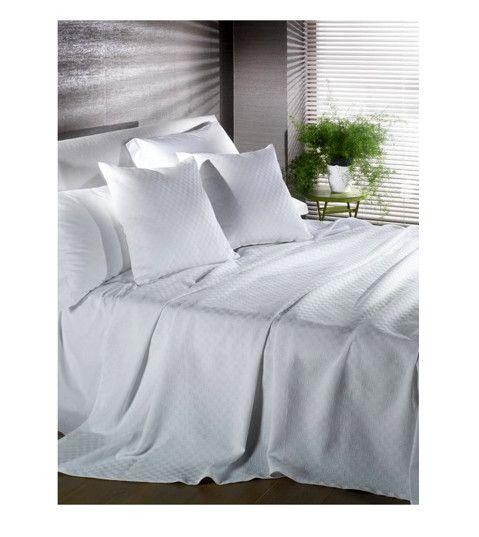 #Caleffi | Copriletto in piquet di puro cotone 100%. In offerta speciale per arredare la tua camera da letto.