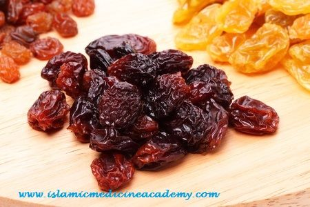 Top 6 Benefits of Raisins