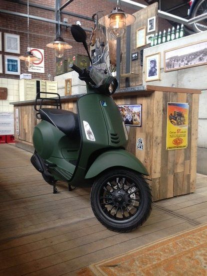 Custom Vespa Sprint - Army Green | Scooterspot - Scooterspot Amsterdam