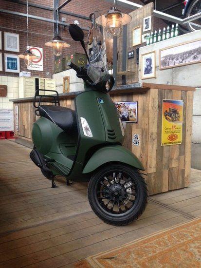 Custom Vespa Sprint - Army Green | Scooterspot - Scooterspot Amsterdam