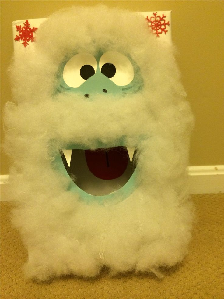 Abominable snowman bean bag toss box