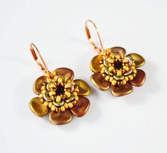 Flowers small earrings Seed beads earrings Bride mother