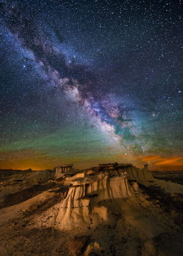 Hoodoos in the Badlands of New Mexico by Wayne Pinkston on 500px