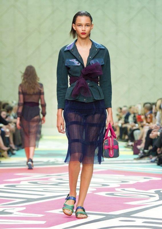 Musik + Mode // Der Mann der Fashion Week: James Bay live bei Burberry Prorsum | Jane Wayne News