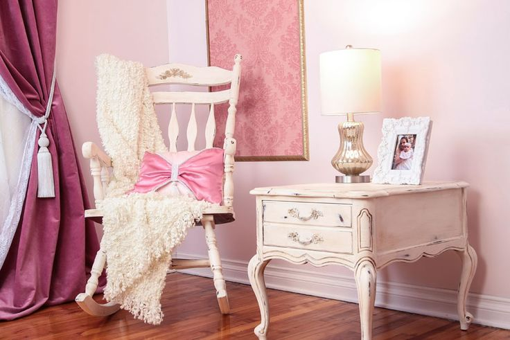 "Shabby chic-ed rocking chair and nightstand in décor ""La Pompadour"""