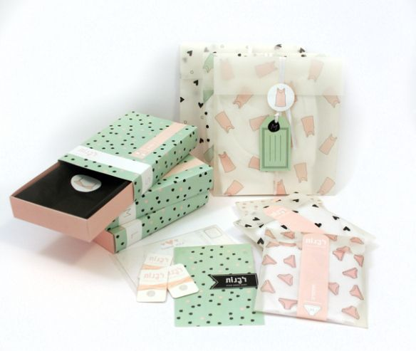 Packaging diseñado porMichal Doktorchikpara una marca de ropa interior para chicas jóvenes y muy femeninas.