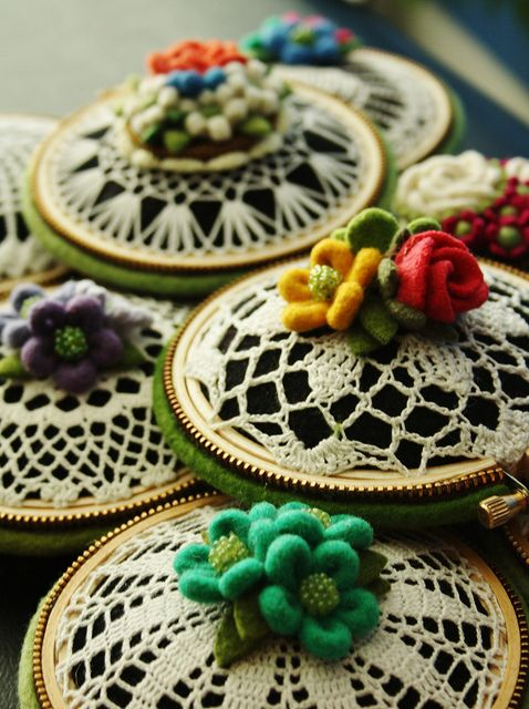 Felt pincushion with crochet/doily, zipper and felt flower accent: Sewing Jars, Doilies, Pin Cushions, Felt Pincushion, Photo Shared, So Pretty, Crafts Idea, Felt Flower, Embroidery Hoops