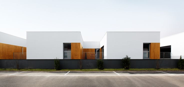 Gallery of Militaries Hosting / D.A Architectes - 1
