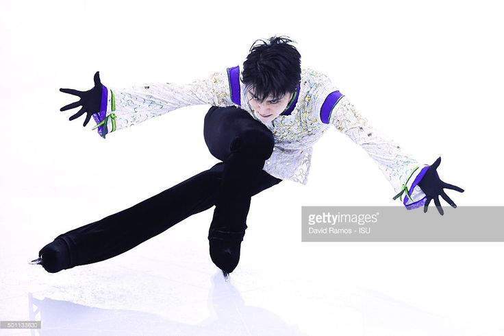 Yuzuru Hanyu of Japan performs during the Men Free program during day three of the ISU Grand Prix of Figure Skating Final 2015/2016 at the Barcelona International Convention Centre on December 12, 2015 in Barcelona, Spain.