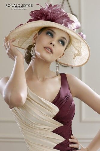 Gorgeous! Design from Veni Infantino by Ronald Joyce - style 98822 and available in UK sizes 4 - 30.
