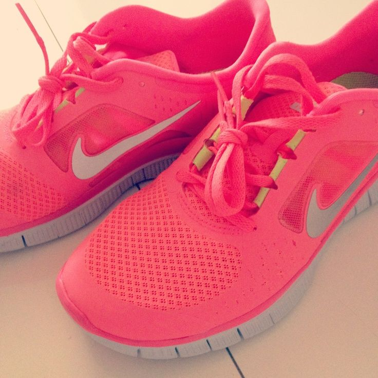 sparkly and pink...this would make me workout      Want these #nike #shoes! Maybe they will motivate me to work out more! :)