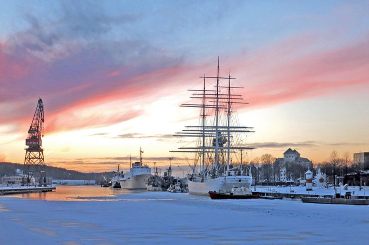 Pakastuvan illansuun hetki Turun Aurajoella. #aurajoki #turku #finland100