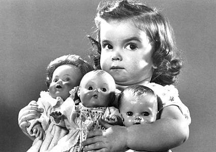 hoarding baby dollsLittle Girls, Vintage Photos, The Face, Vintage Photographers, Children, Baby Dolls, Mine, Kids, Crazy Eye