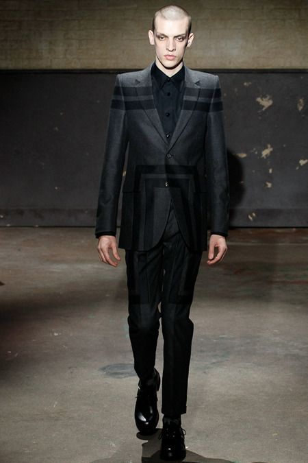 Alexander McQueen | Fall 2014 Menswear Collection | London Absolutely fantastic. Can never go wrong with McQueen.