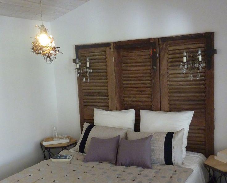 volet persienne t te de lit dans le secret des chambres pinter. Black Bedroom Furniture Sets. Home Design Ideas