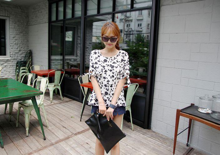 Korea Womens Luxury Shopping Mall [mimindidi] My Love Blouse / Size : Free / Price : 44.27 USD #koreafashionshop #koreafashion #pinterfashion #pinterclothes #pintershop #koreashop #dailyfashion #OOTD #blouse #womenblouse