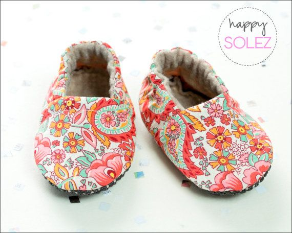 Pretty Paisley Eco-Friendly Baby Booties | Kids ...