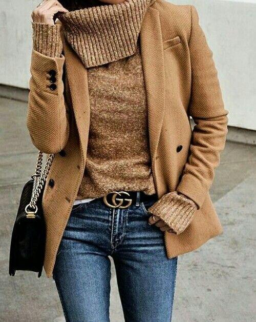 Blazer. Chunky sweater.