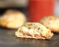 Mini Calzone au Babybel (facile, rapide) - Une recette CuisineAZ