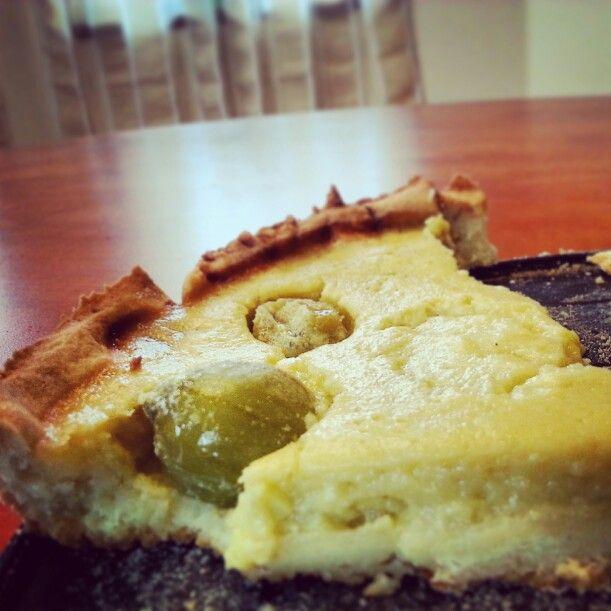 10/100cakes challenge: Angreštový koláč   http://www.apetitonline.cz/recepty/593-angrestovy-kolac-se-smetanovym-kremem.html