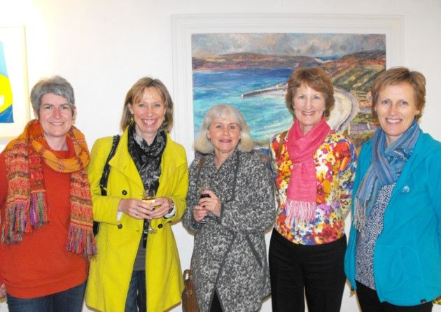 EOS Artists Naomi Hart, Sally Baldwin, Sara Bor, Sue Thomson and Rachael Jamieson..my painting is in the bachground:)