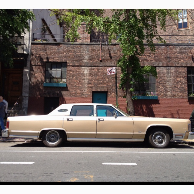 1976 Lincoln Town Car in NYC