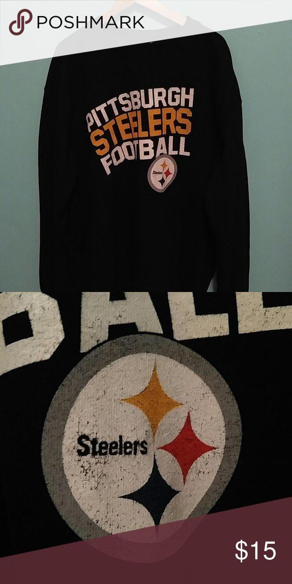 "Vintage Pittsburgh Steelers crewneck sweatshirt Vintage Pittsburgh Steelers sweatshirt size XL. Comfy, cozy, and functional. Length 30.5"", Width 26"" Shirts Sweatshirts & Hoodies"