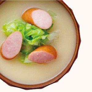 白菜とウインナーの味噌汁   365杯の味噌汁   醤油、味噌 本物の味ひとすじ【フンドーキン醤油(九州大分県臼杵)】