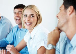 Asiakaspalvelu on asennetta - Kysy lisää niin räätälöimme teidän tilaisuuteenne sopivan valmennusohjelman.