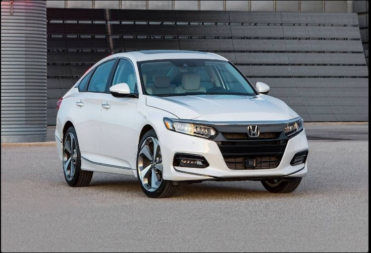 The 2018 Honda Accordoffers outstanding style and technology both inside and out. See interior & exterior photos. 2018 Honda AccordNew features complemented by a lower starting price and streamlined packages.The mid-size 2018 Honda Accordoffers a complete lineup with a wide variety of finishes and features, two conventional engines.