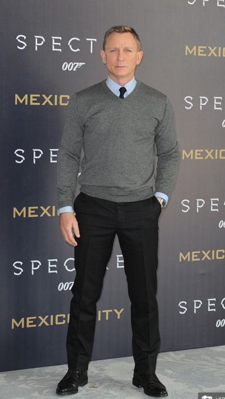 Daniel Craig attends a photo call to promote the new film 'Spectre' on November 1, 2015 in Mexico City, Mexico.