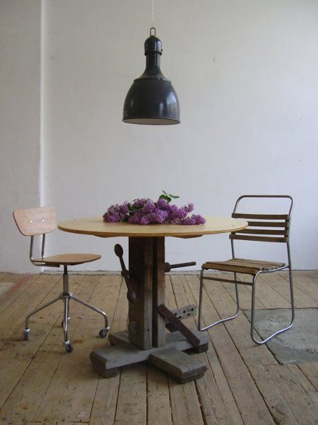 Hat maker's dining table (artKRAFT Furniture&Design)