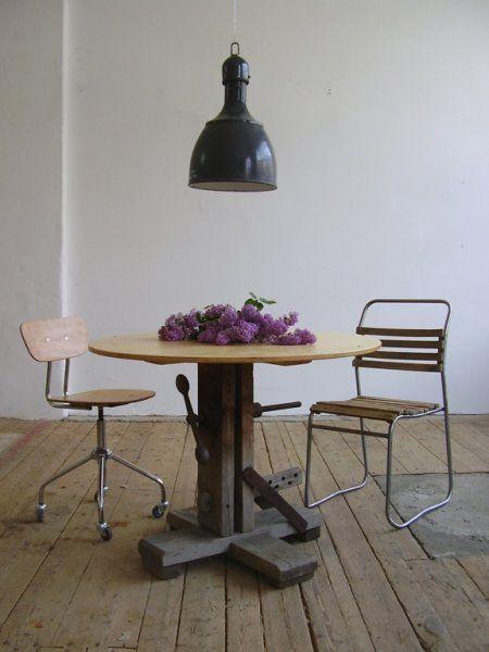 Hat maker's dining table (artKRAFT Furniture&Design)