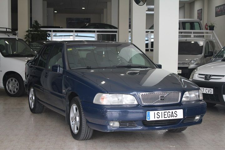 compra-venta-vehiculos-ocasion-navarra-pamplona-segunda-mano-coches-automoviles-usados-diesel-gasolina-monovolumen-seminuevo-iruna-auto-volvo2