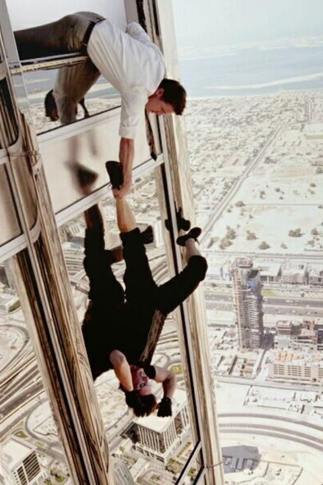 Jeremy Renner and Tom Cruise in Mission Impossible 4: Ghost Protocol.