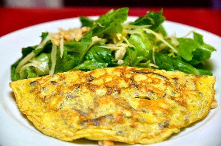 Como faz: Omelete de legumes e feta