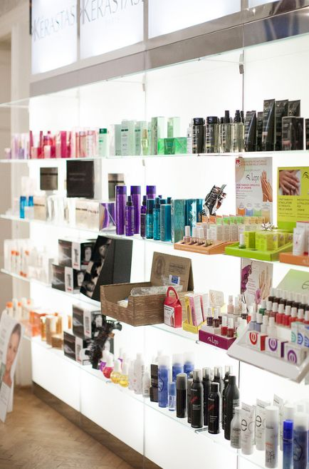Kerastase products shop - Goran Viler Hair SPA in Trieste by Ana Hribar - Fensismensi #mirror #beauty #hair #salon