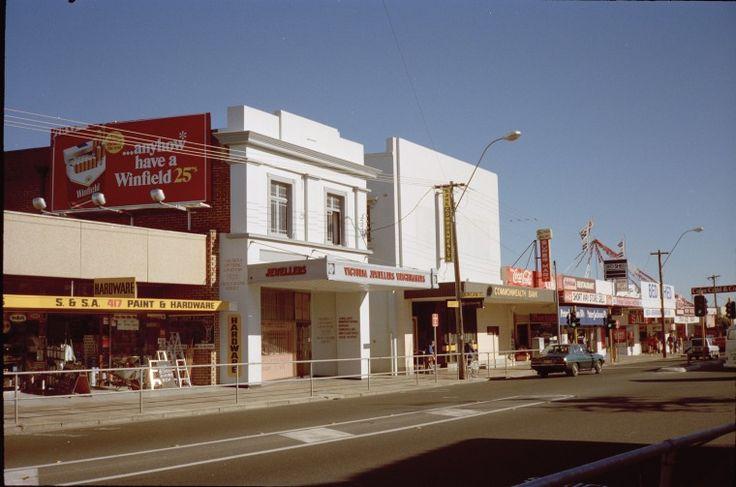 315274PD: Shopping strip 413-417 Albany Highway, Victoria Park, May 1989  https://encore.slwa.wa.gov.au/iii/encore/record/C__Rb3699230