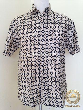 Kemeja Batik Pendek Motif Kawung Krem Modern | #Indonesia Unique  #Batik Tops Shirt #Clothing Men Women http://thebatik.co.id/baju-batik/