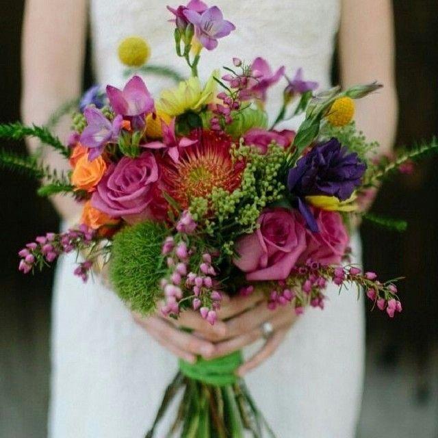 Resultado de imagem para bouquet lilas roxo e laranja